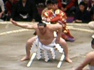 Makuuchi - 68th yokozuna Asashoryū's Unryū-style Yokozuna Dohyō-iri
