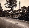 Zerstörter französischer Panzer in Frankreich 1940.jpg
