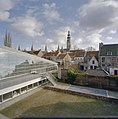 Zicht op tuin en nieuwbouw, gezien vanaf de zolder van de oudbouw - Middelburg - 20374675 - RCE.jpg