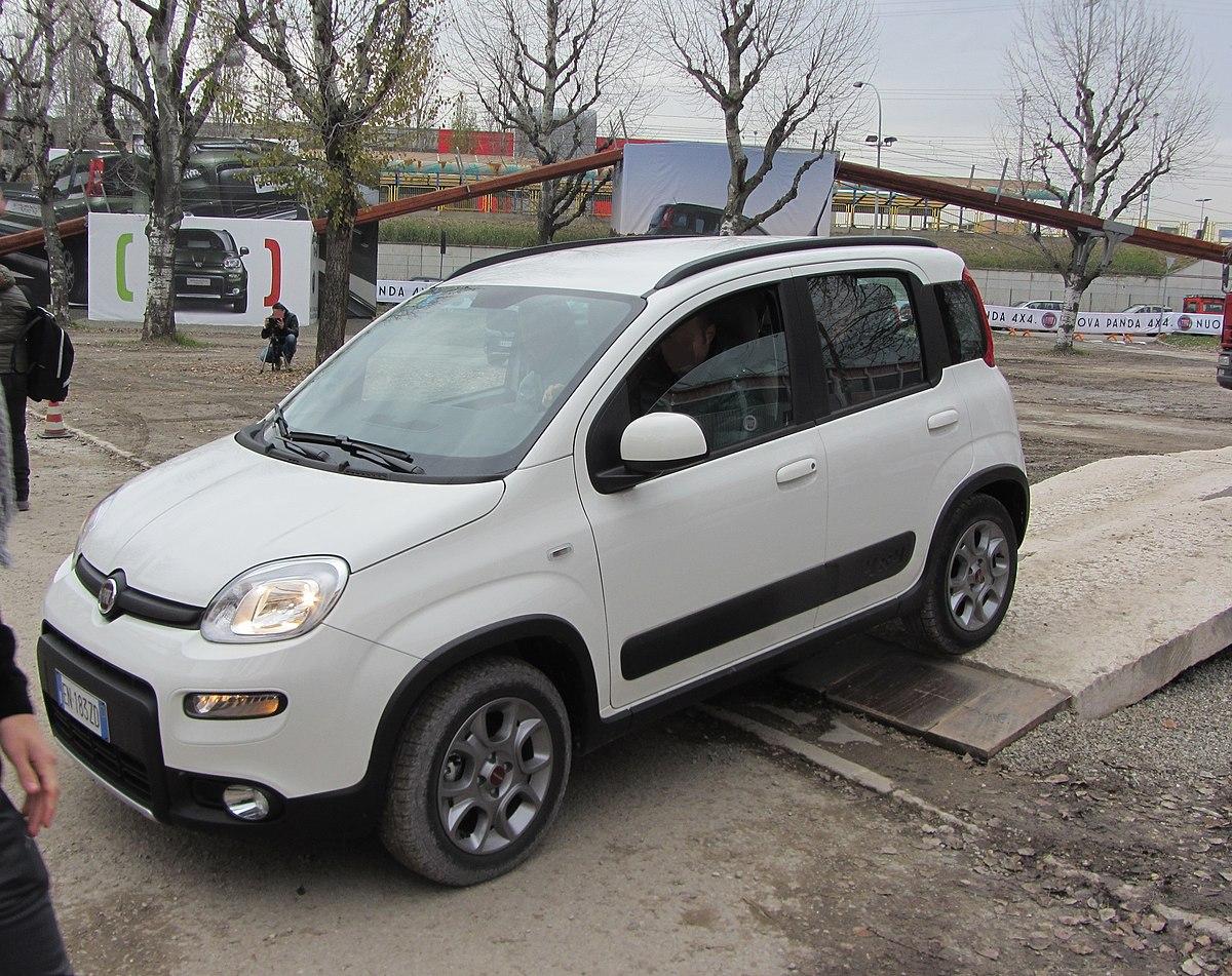 File 12 Italy Fiat Panda 4x4 Off Road Test Drive Motorshow Di Bologna 01 White Car Jpg Wikimedia Commons