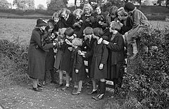 (Evacuees enjoying a nature lesson in Caersws) (6435402499).jpg