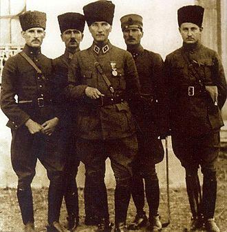 İzmit - Mustafa Kemal Atatürk (middle) in İzmit, June 1922