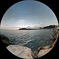 Панорама с волнорезов пляжа Джубги.jpg