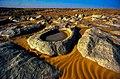صحراء الصخور بولاية بشار.jpg