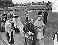 100 jaar Kromstaf. Stadion De Galgewaard. Aankomst kardinaal-legaat, Bestanddeelnr 905-7304.jpg