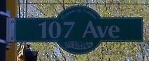 107 Avenue, Edmonton - Image: 107 Ave Edmonton