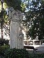 17 Estàtua femenina del monument als Caiguts, cementiri de Terrassa.jpg