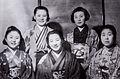 1941 takarazuka stars.jpg