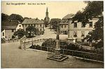 19622-Berggießhübel-1915-Blick über den Markt, Postmeilensäule-Brück & Sohn Kunstverlag.jpg