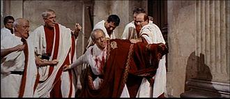 1963 Cleopatra trailer screenshot (47).jpg