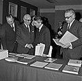 1969 visite Bernard Pons au CNRA-41-cliche Jean Weber.jpg