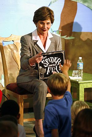 "Tony DiTerlizzi - Image: 20061027 Laura Bush holding ""The Spider and the Fly"" by Mary Howitt"