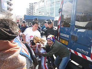 Jin Jing - Image: 2008 Olympic torch relay Paris Jin Jing 3