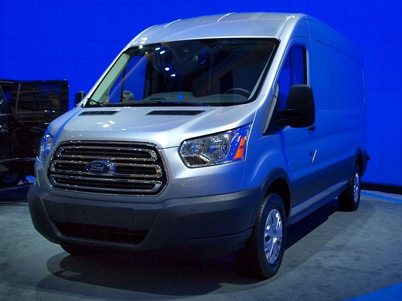 800px-2014_Ford_Transit_CIAS.jpg