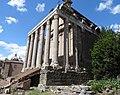 20160425 104 Roma - Foro Romano - Tempio di Antonino e Faustina - Antoninus and Faustina Temple (26660482161).jpg