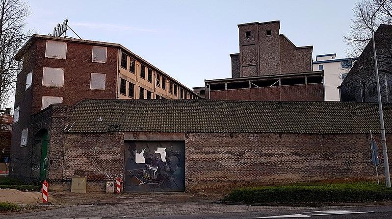 File:2018 Maastricht, Frontensingel, Kop van de Sphinx 06.jpg