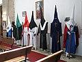219 Església vella de Santo Tomás de Canterbury (Sabugo, Avilés), els vestits de les confraries.jpg
