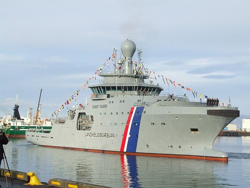 Ficheiro:2 Arrival of Thor - Icelandic Coast Guard 2011-10-27 Reykjavik.jpg