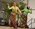 43a.MalaysianDanceTroupe.AsianFusions.SFF.WDC.3July2010 (7731115646).jpg
