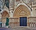 86-Poitiers-portails-cathédrale.jpg