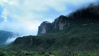 Mount Roraima - Image: A Waterfall after the rain. Mount Roraima. Roraima Tepuy