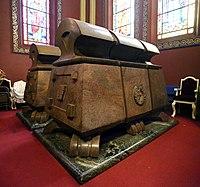Addis abeba, chiesa della trinità, interno, sarcofagi di haile selassie e della moglie menen asfaw 02,0.jpg