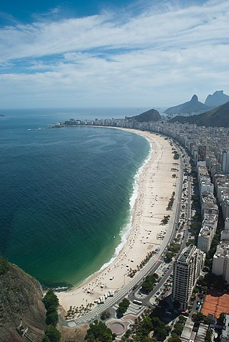 Copacabana Beach By Gustavo Facci from Argentina (Copacabana) [CC-BY-SA-2.0 (https://creativecommons.org/licenses/by-sa/2.0)], via Wikimedia Commons