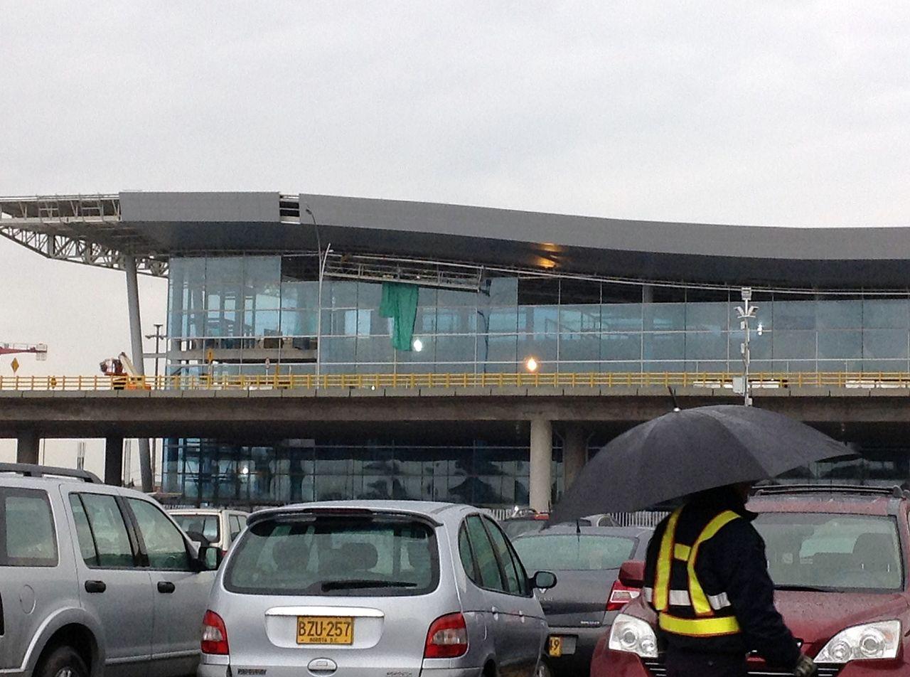 File aeropuerto el dorado wikipedia for Puerta 6 aeropuerto el dorado
