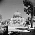 Al Haram esh-Sharif - Tempelberg. Rotskoepel of Qubbet es-Sakhra met poort die t, Bestanddeelnr 255-5441.jpg