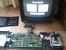 Amstrad CPC6128, keyboard removed.jpg