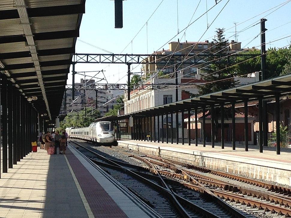 Andenes Alta Velocidad de la estación
