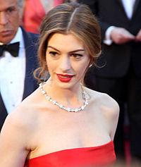 Anne Hathaway 2011.jpg