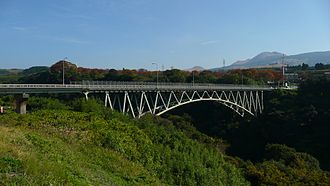 Japan National Route 325 - Image: Aso Ohashi (Red Bridge) 2009