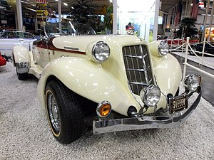 Auburn Cabrio Replica.JPG