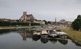 Auxerre kaj Yonne-rivero