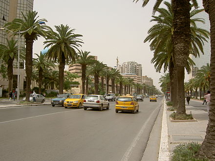 Avenue Mohamed V in the financial district Avenue Mohammed V - Tunis 3.jpg