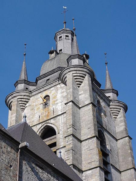 Avesnes-sur-Helpe (Nord, Fr) la collegiale, tour vue du nord
