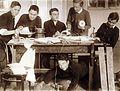 Az Érseki Főgimnázium könyvkötészeti önképzőköre, füzetkészítés. Fortepan 100254.jpg