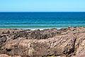 Bañista mirando á cámara na praia das Furnas. Porto do Son. Galiza.jpg
