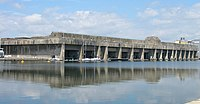 Base des sous-marins à Saint-Nazaire. Elle abrite aujourd'hui un musée, et différents commerces.