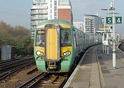 Battersea Park railway station MMB 39 377463.jpg