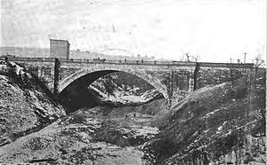 Schenley Plaza - Bellefield Bridge
