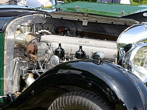 Bentley 8 Litre - Image: Bentley 8 Litre saloon by Mulliner 1931 f 3q 640 by 480