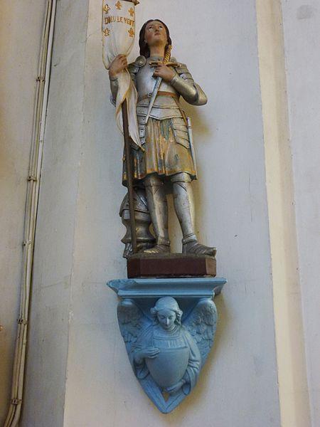 Beuvry-la-Forêt (Nord, Fr) église, statue Ste Jeanne-d'Arc