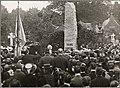Bjørnstjerne Bjørnson taler ved avdukingen av Rikard Nordraaks bauta.(Etter), 1906. (4432667038).jpg