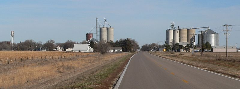 File:Bladen, Nebraska from S 1.JPG