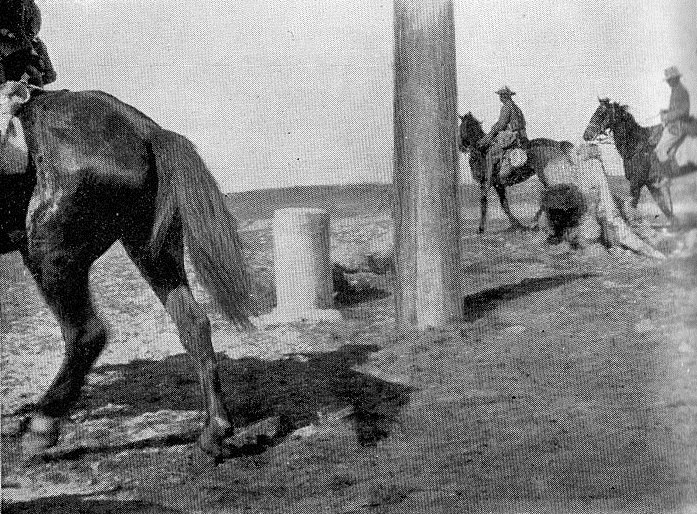 Boundary pillars on the Sinai-Palestine frontier during World War I