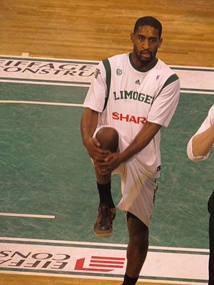Brad Wanamaker - Wanamaker playing with Limoges CSP in April 2013.