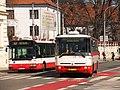 Brno, Mendlovo náměstí, Irisbus Citybus 12M č. 7627 a Karosa B 931 č. 7439 (01).jpg