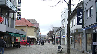 Trones og Sentrum - View of a shopping district